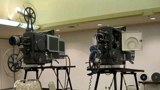 画像:2台の映写機1