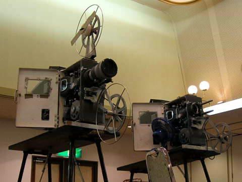 画像:2台の映写機2